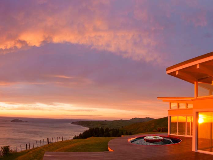 A private ocanfront couples retreat, secluded, perfect for him and her at the Hawke's Bay New Zealand east coast