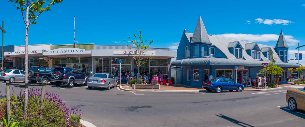 Havelock North Village atmosphere with small boutique shops in colonial style built houses, around the corner new boutique 5star hotel with a fine dining restaurant