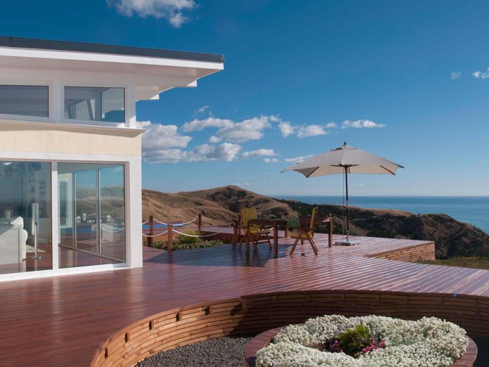 Two modern private luxury villas at the Hawkes Bay East Coast in New Zealand. Both include the Bay Guesthouse boutique lodge service with served breakfast and private Chef and Chef's Table Dinner package.